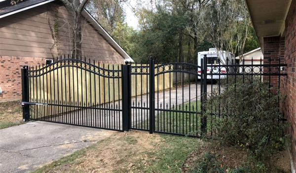 Concord 10 Foot Single Swing Driveway Gate Wrought Iron